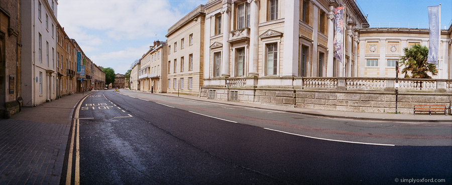 20200407_Empty-Oxford_Widelux_Ektar100_22_web