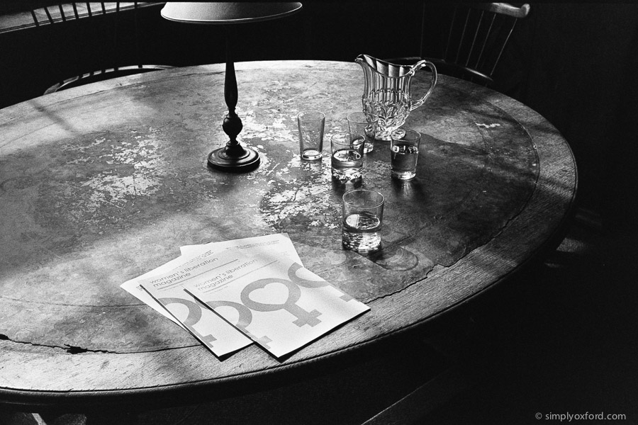 20190819_Endeavour_S7E1_Oxford-Union_M6_HP5_1600_Xtol-stock_30A_web